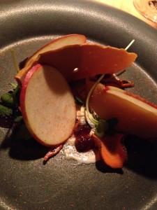Smöret är den där skivan som är instoppad mellan äppelrundlarna.